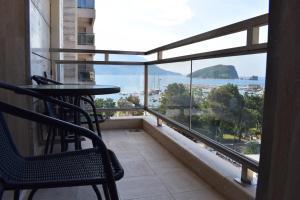 A balcony or terrace at Mateja & Fontana Apartment