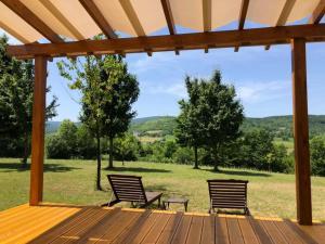 A garden outside Holiday Homes Vita Natura
