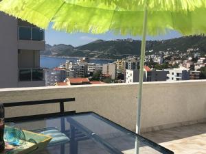Pogled na planine ili pogled na planine iz aparthotela