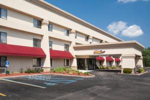 From 66 Picture Of Baymont Inn Suites Battle Creek