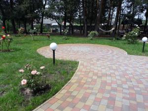 Сад в Агроусадьба Сосновый двор в Прилуках под Брестом