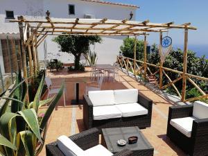 A balcony or terrace at Thats Amore holidays - Villa Donna Antonia
