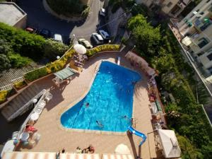 A view of the pool at Residence Olivotti or nearby