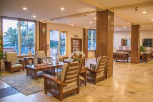 A restaurant or other place to eat at San Luis Bay Inn by Wyndham Vacations