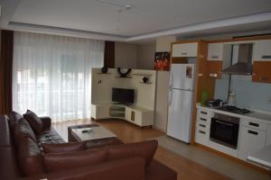 A kitchen or kitchenette at Bypegasus Smart Flats