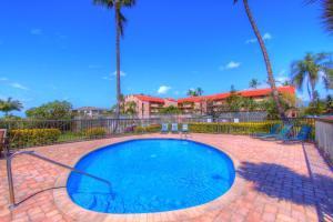 The swimming pool at or near Maui Vista 2411