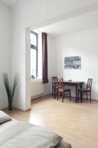 Ein Sitzbereich in der Unterkunft Ferienwohnung Leipzig-Zentrum
