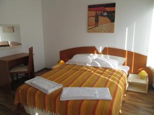Ramada 2 Alexander Services Apartments