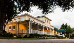 Picture of Lakeside Inn on Lake Dora