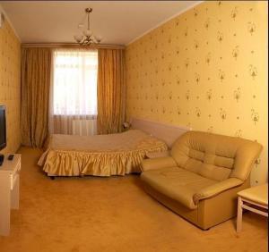 (Love Hotel on Chernovitskaya)