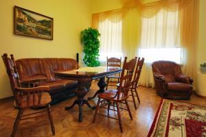 (Guest House on Volzhskaya Naberezhnaya)