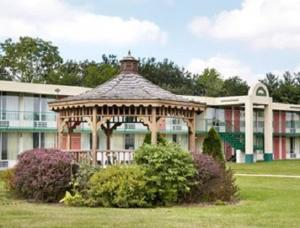 Picture of Macomb Inn