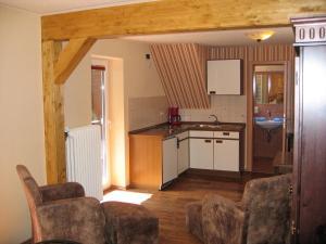 A kitchen or kitchenette at Sonnenhof-Willingen