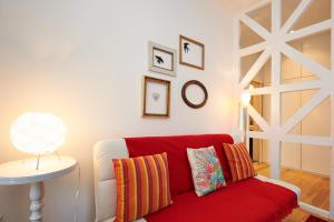 A seating area at Portugal Ways Santos Design Apartments