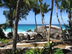 Пляж на территории дома для отпуска или поблизости