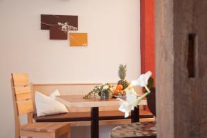 A seating area at Appartements Fliana Mathon/Ischgl