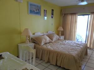 Chrisanns Beach Resort