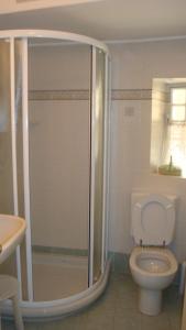 A bathroom at Bellagio Center Apartment n°12