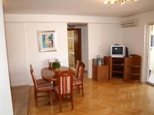 Adora Apartment 2