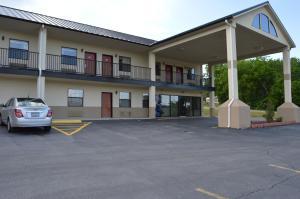 Picture of Hiway Inn Express of Kiowa