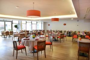 Restaurant ou autre lieu de restauration dans l'établissement DOMITYS Le Parc de Saint-Cloud