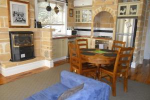 Stonecutters Inn