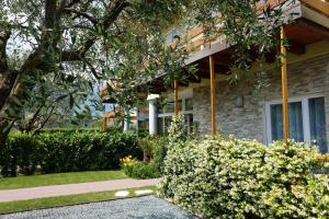 Residence Rivachiara (check-in at Hotel Riviera in Viale Rovereto, 95)