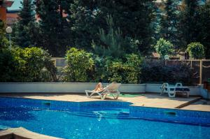 The swimming pool at or near Golden Fort Apartments
