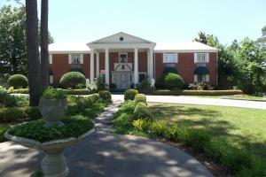 Picture of Colonial Inn