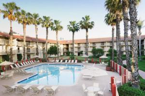 Picture of DoubleTree by Hilton Bakersfield