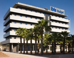 Ibis budget sevilla aeropuerto sevilla precios for Alquiler de casas en aeropuerto viejo sevilla