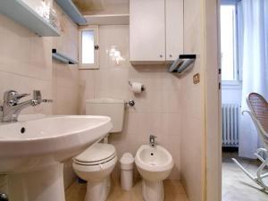 A bathroom at San Niccolò