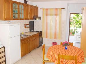 Kuhinja ili čajna kuhinja u objektu Apartment Bello