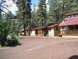 Picture Of Greer Point Trails End Cabins