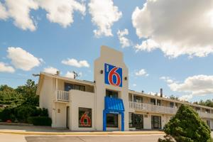 Picture of Motel 6 Leominster