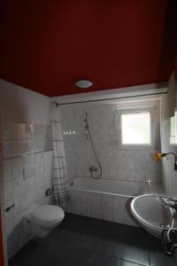 A bathroom at Apartment house Ella