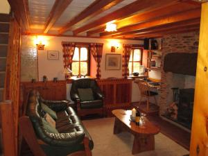 The lounge or bar area at Holiday home Bron-Nant
