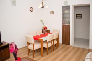 Apartment Leatoni