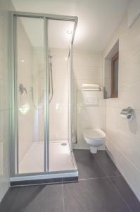 A bathroom at Haus Fender
