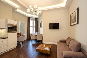 A seating area at Arabel Design Apartments