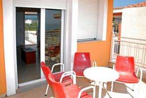 A balcony or terrace at Avra Apartments