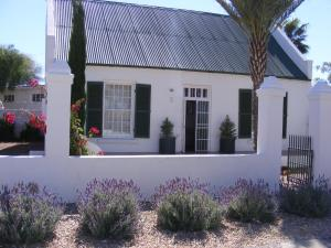 Pepper Tree Cottage Beaufort West