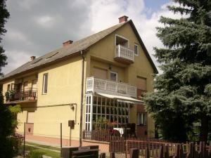 Marika Ház