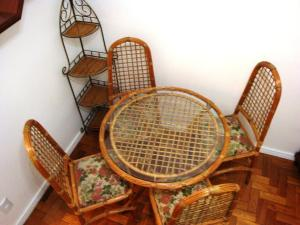 A seating area at Apartamento Figueiredo Magalhães