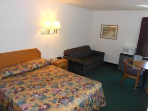 From 45 Picture Of Economy Inn Suites