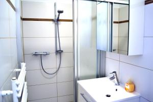 A bathroom at Easyapartments Leo