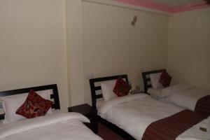 Traveler's Holiday Inn