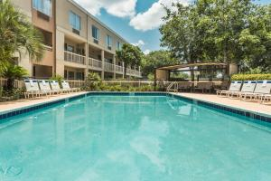 Picture of Baymont Inn & Suites - Gainesville