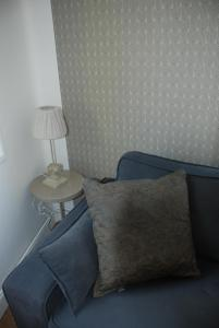 A seating area at Apartment Terre de Brume