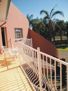 El Gran Chaparral Guest House